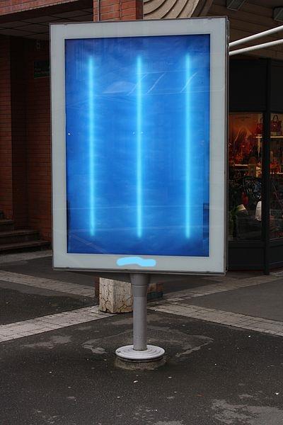 Des panneaux de publicité digitale non permis à Forest