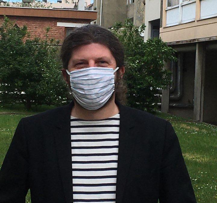La distribution de masques commence à Forest